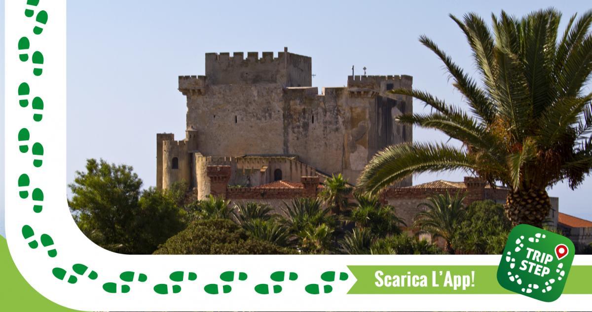 Castello di Falconara foto di trolvag via Wikimedia Commons