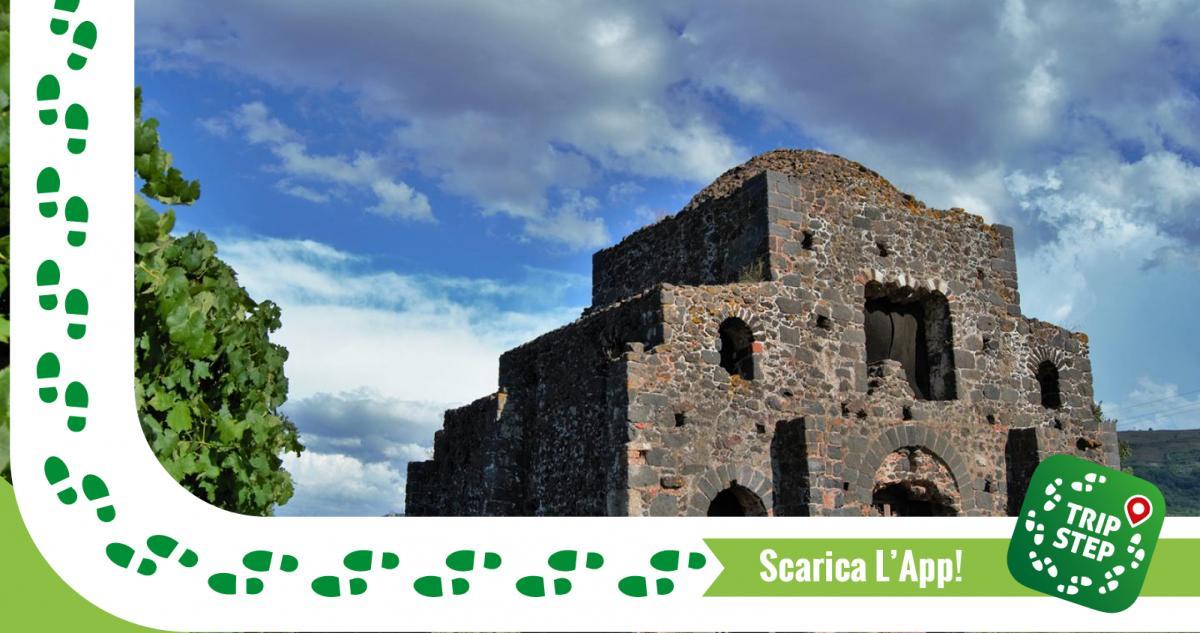 Castiglione di Sicilia Cuba bizantina Santa Domenica foto di: Michaela Ponticello via Wikimedia Commons