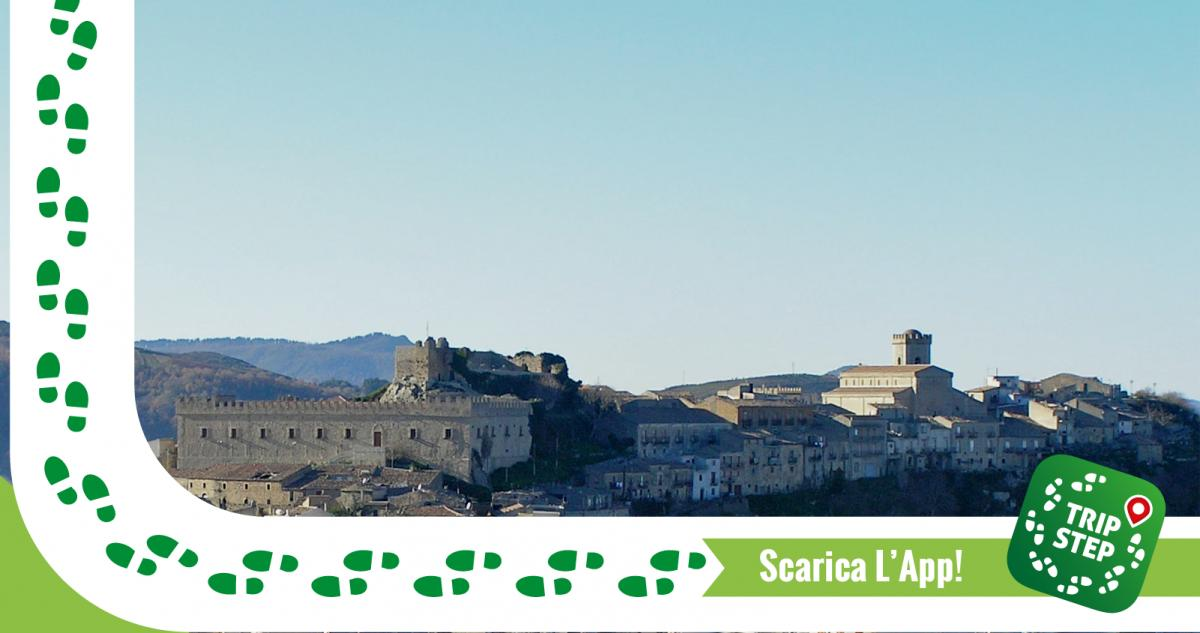 Montalbano Elicona panorama foto di: Bdsklo via Wikimedia Commons