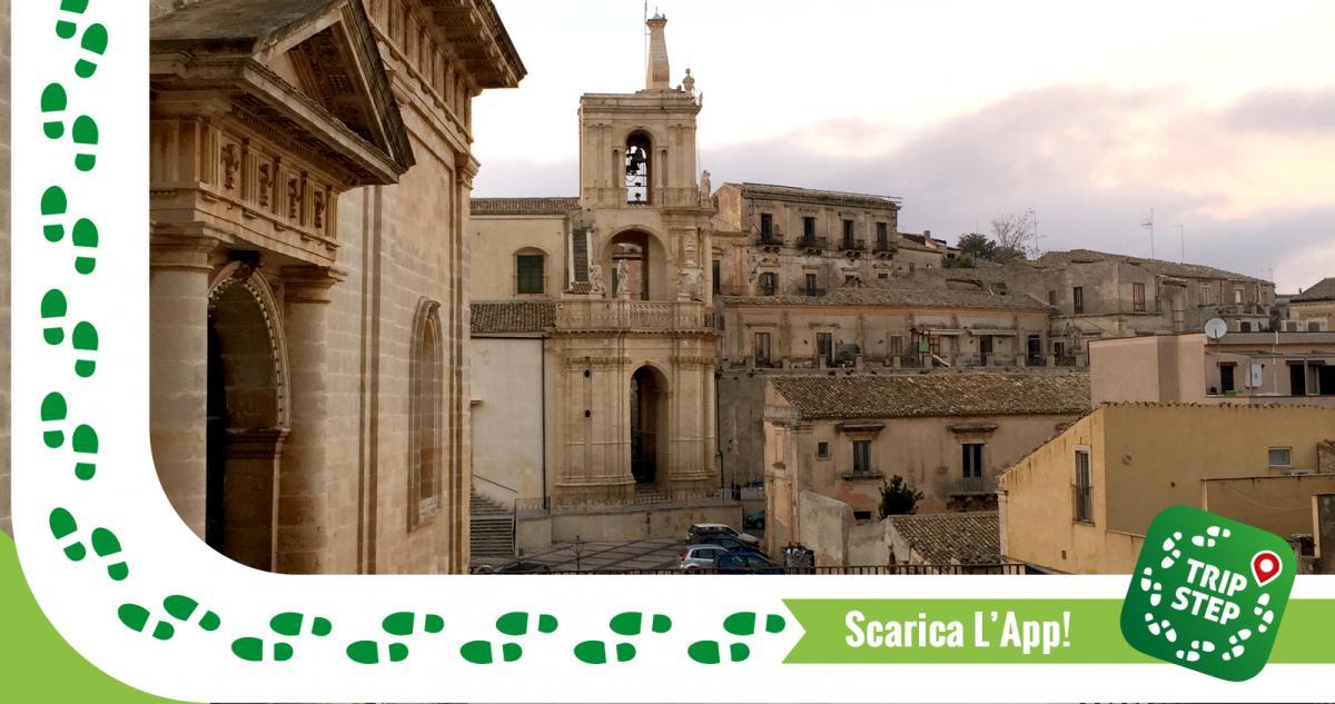 Palazzolo Acreide chiesa di San Paolo vista dal sagrato della Chiesa Madre foto di: codas via Wikimedia Commons