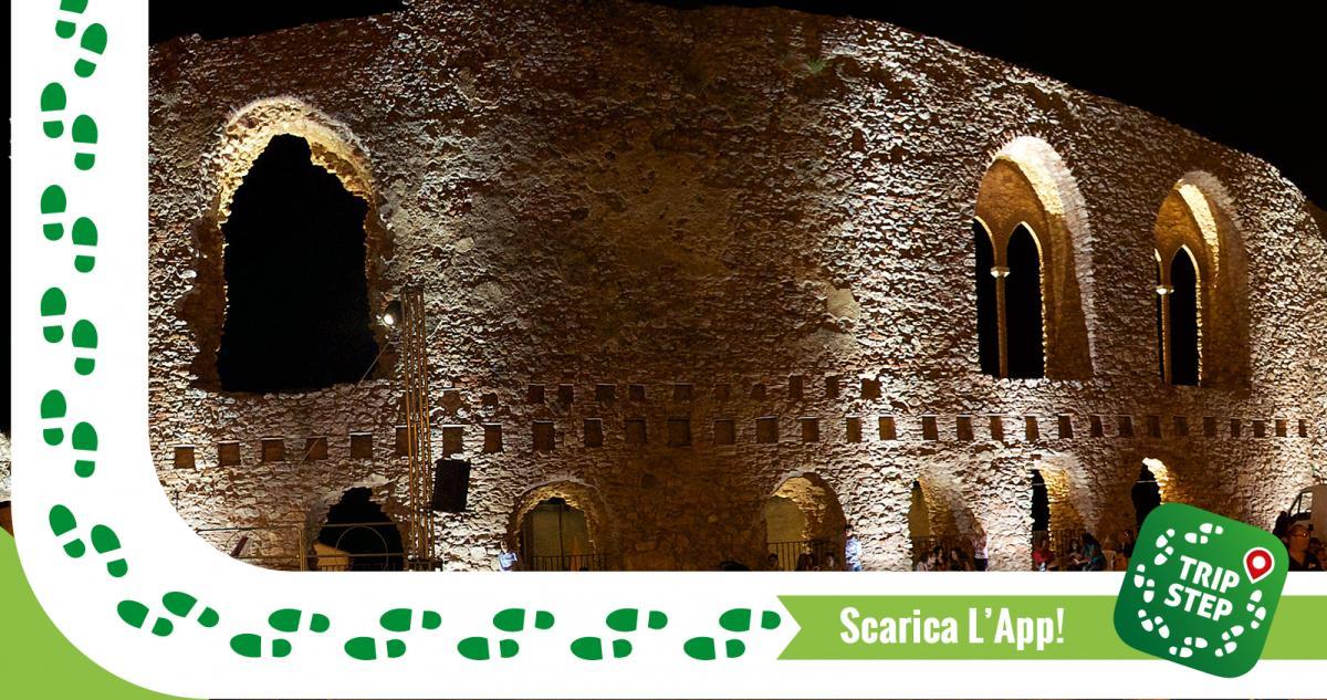San Marco d'Alunzio  resti del castello normanno foto di: Goldmund100 via Wikimedia Commons