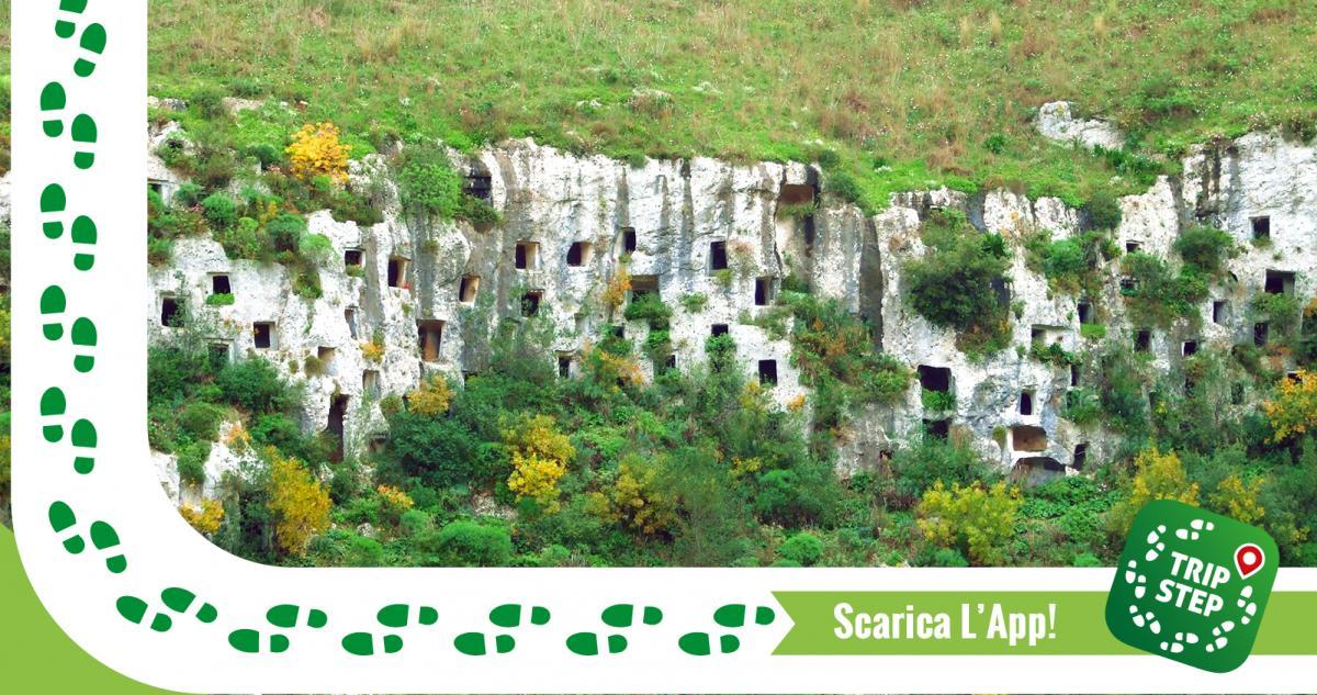 Riserva Pantalica Necropoli architettura funeraria rupestre foto di Salvo Cannizzaro via Wikimedia Commons