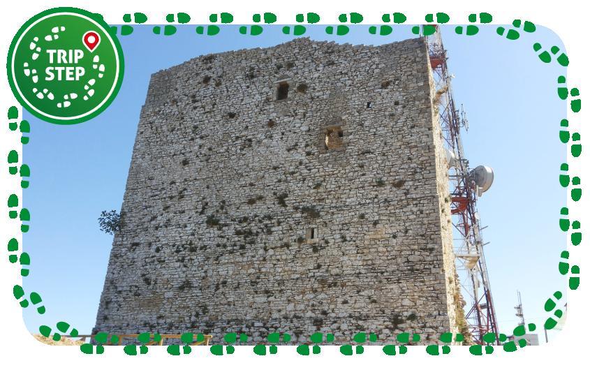 Alcamo castello dei Ventimiglia mastio foto di Daniele Pugliesi via Wikimedia Commons