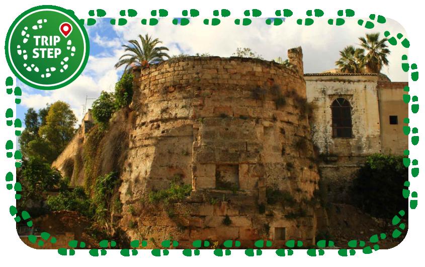 Bastione delle fortificazioni difensive dello Spasimo foto di Eugen Kurz via Wikimedia Commons
