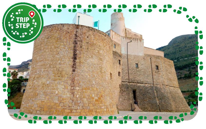 Castellammare del Golfo castello foto di Daniele Pugliesi via Wikimedia Commons