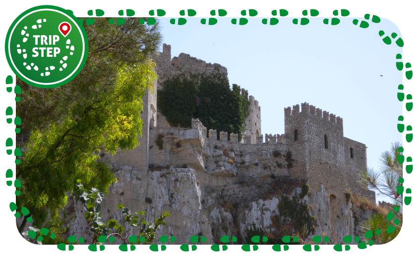 Castello di Caccamo foto di Jerome Bon via Wikimedia Commons