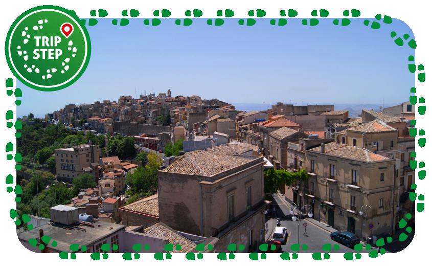 Centuripe panorama foto di Nicolò Fiorenza via Wikimedia Commons