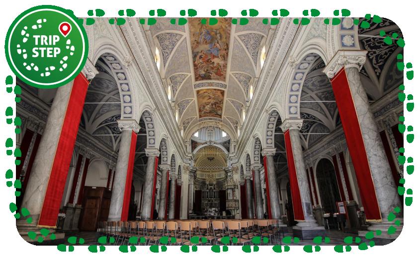 Chiesa Madre Santa Maria La Cava e Sant' Alfio interno foto di Antreus93 via Wikimedia Commons
