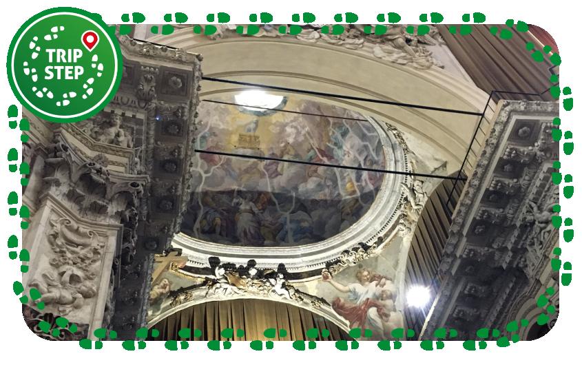 Chiesa del Santissimo Salvatore interno foto di Manuelarosi via Wikimedia Commons