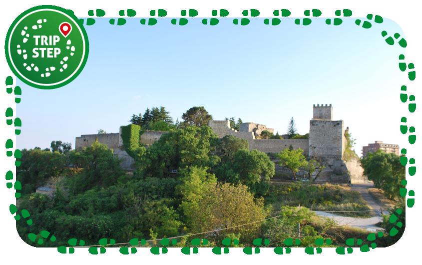 Enna Castello di Lombardia panoramica foto di: Sweetie candykim via Wikimedia Commons