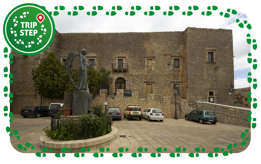 Gangi castello prospetto della facciata foto di: trolvag via Wikimedia Commons