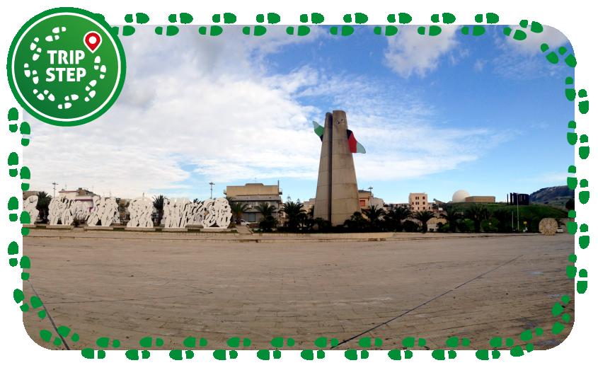 Gibellina Piazza del Comune foto di Codas via Wikimedia Commons