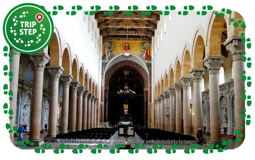 Messina Duomo navata centrale foto di: Effems via Wikimedia Commons