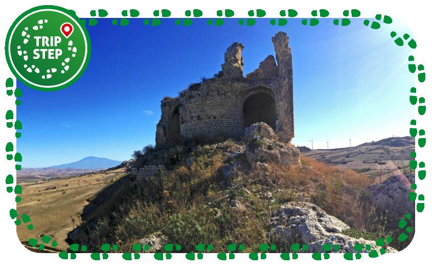 Mineo castello di Mongialino foto di Davide Mauro via Wikimedia Commons