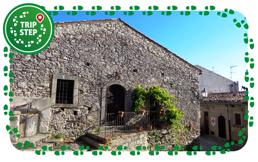 Montalbano Elicona borgo Castello foto di: Effems via Wikimedia Commons