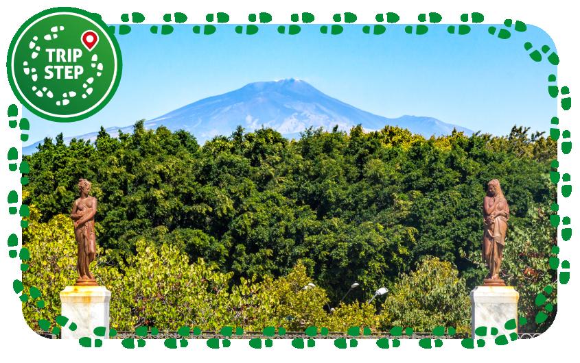 Monte Etna visto da uno dei vialetti del Giardino Bellini foto di Matthias Süßen via Wikimedia Commons