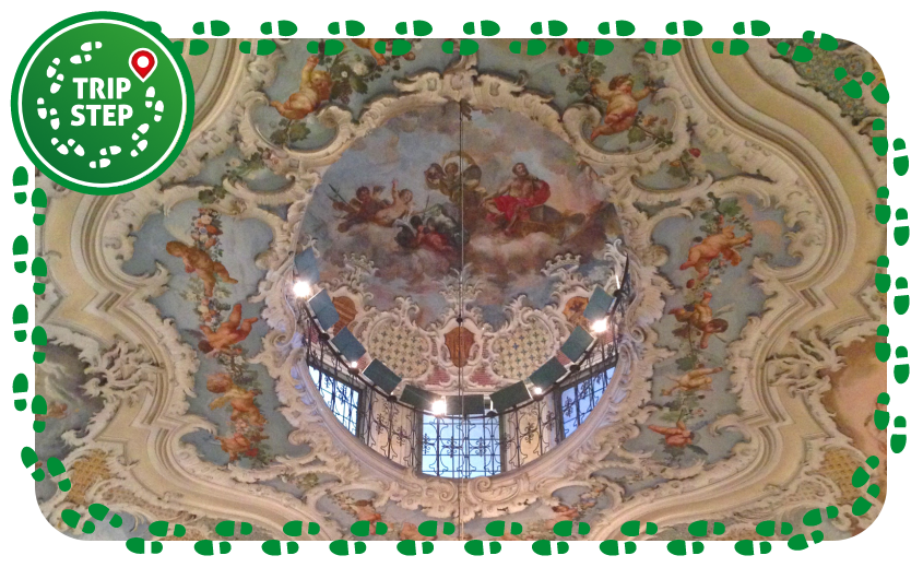 Palazzo Biscari cupolino centrale del salone delle feste foto di Davide Mauro via Wikimedia Commons