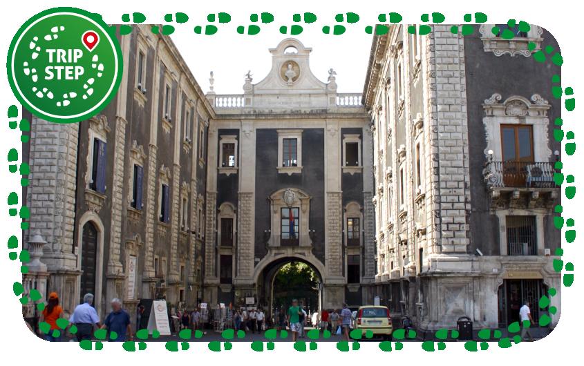 Porta Uzeda foto di Giovanni Dall'Orto via Wikimedia Commons
