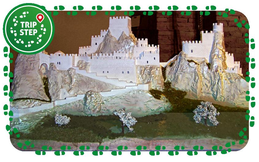 Ricostruzione del castello di Pietrarossa conservata a Siviglia foto di Marcè Vincenzo via Wikimedia Commons