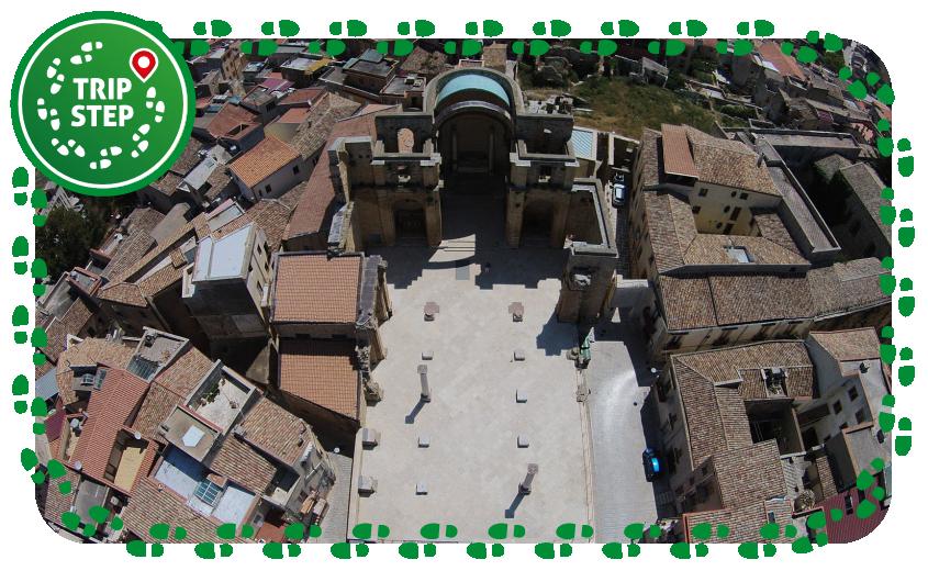 Salemi piazza Alicia ruderi vecchia chiesa madre da drone foto di: Giuseppe Gucciardi via Wikimedia Commons