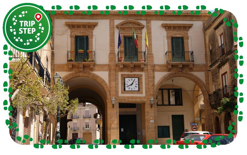 Sambuca di Sicilia palazzo dell' Arpa sede del Municipio foto di: Mboesch via Wikimedia Commons