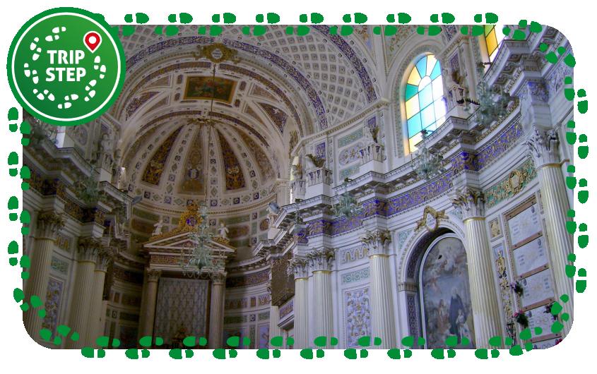 San Giovanni Evangelista interno foto di: Catarella via Wikimedia Commons