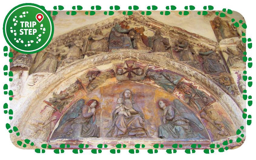 Santa Maria la Vetere portale policromo foto di Gimalgi73 via Wikimedia Commons