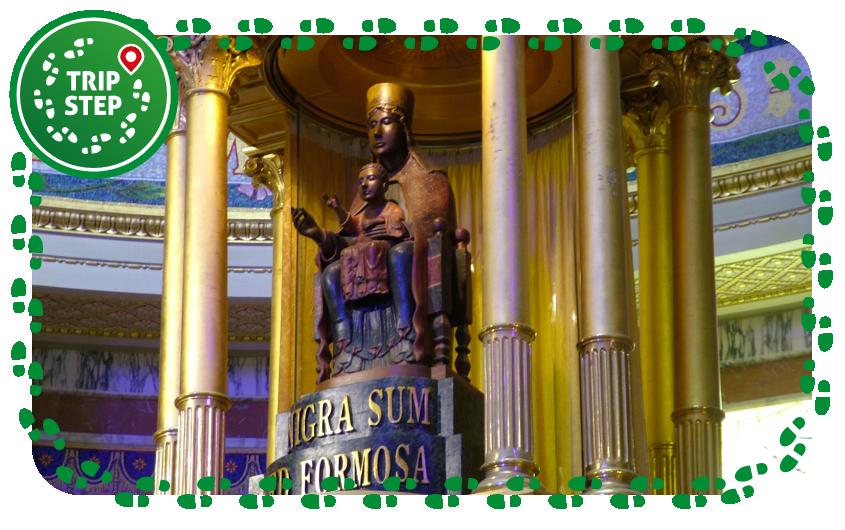 Santuario di Tindari Simulacro della Madonna Nera foto di: Clemensfranz via Wikimedia Commons