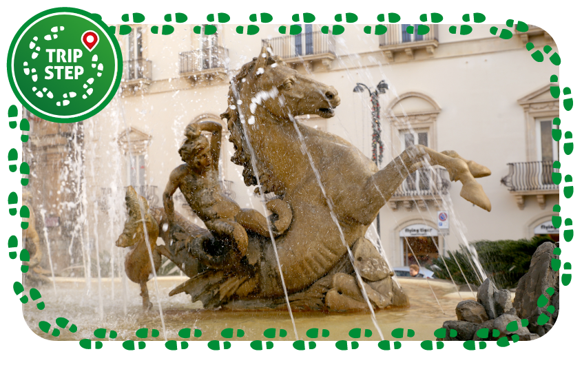 Siracusa fontana di Diana particolare di uno dei tritoni a cavallo