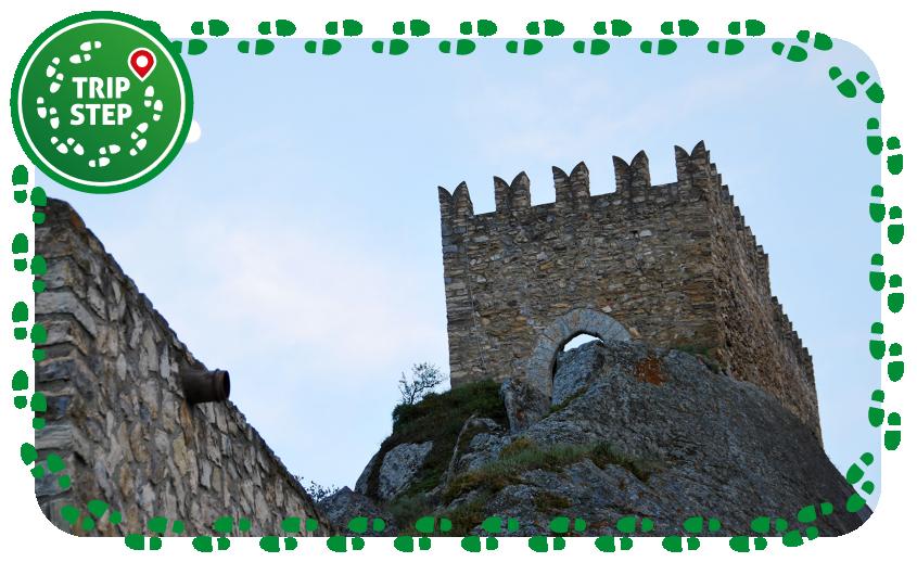 Sperlinga castello torrione foto di: giomodica via Wikimedia Commons
