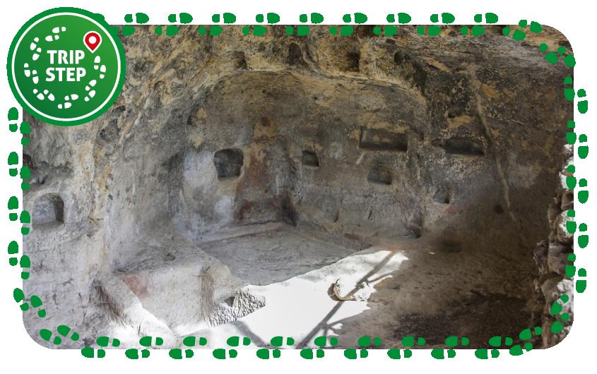 Villaggio bizantino di Canalotto grotta del palmento foto di Davide Mauro via Wikimedia Commons