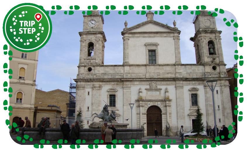 Caltanissetta Santa Maria la Nova e fontana del Tritone foto di: Isider93 via Wikimedia Commons