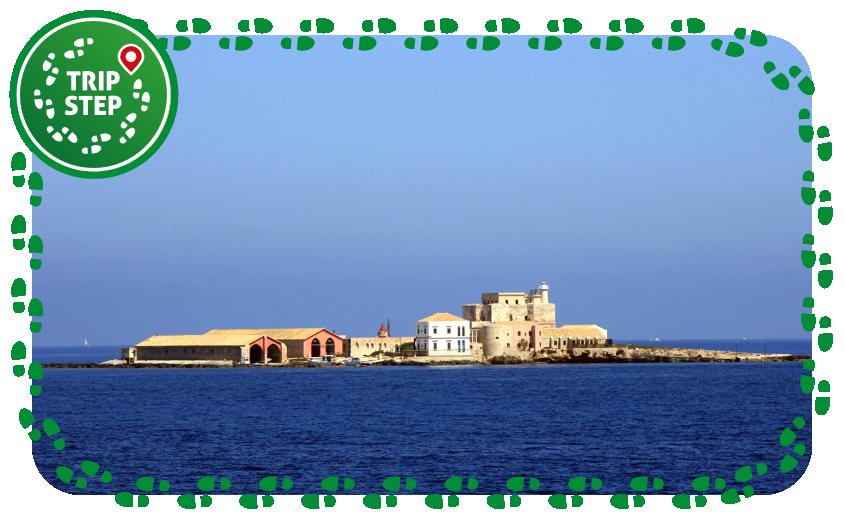 Isole Egadi Formica con la tonnara foto di: Alessio Milan via Wikimedia Commons